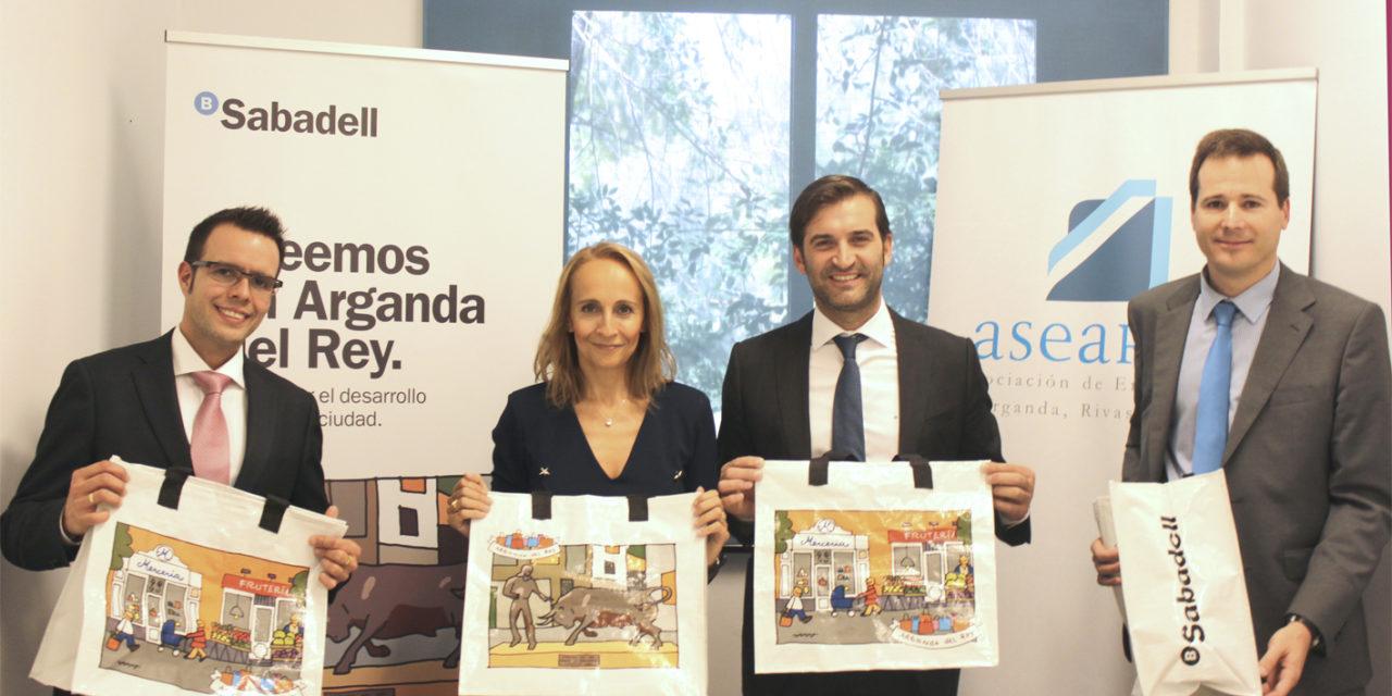 """150 comercios de la ciudad participarán en la campaña  """"Creemos en Arganda del Rey"""""""