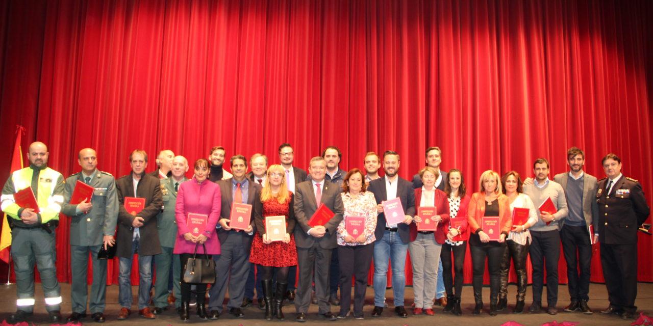 Asociaciones y diversas entidades de Arganda recibieron un ejemplar de la Constitución Española