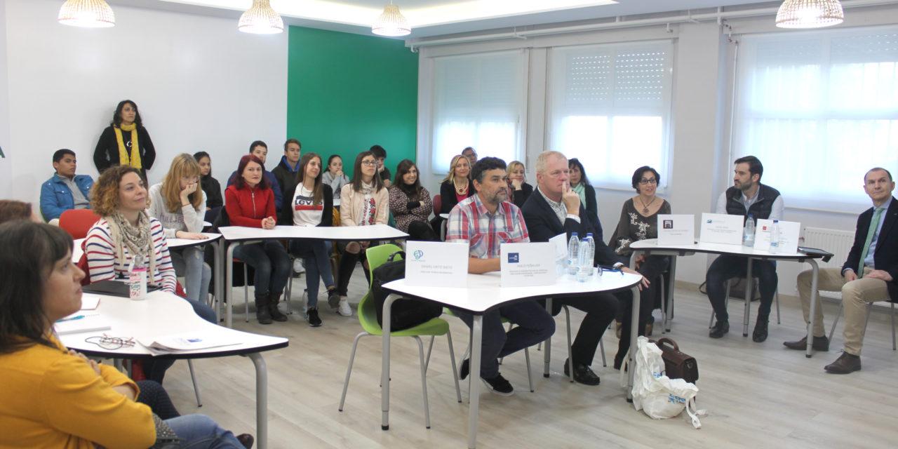 El IES Duque de Rivas inaugura un espacio para fomentar la iniciativa emprendedora entre sus alumnos