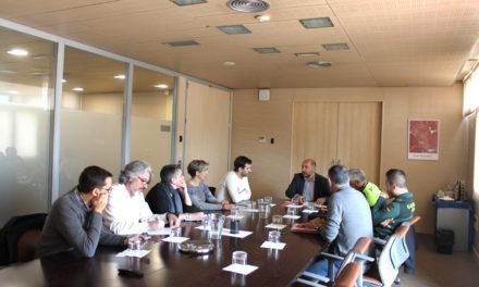 Comerciantes y hosteleros se reunieron con representantes del Ayuntamiento y de las fuerzas de seguridad locales para solicitar soluciones tras la oleada de robos en Rivas