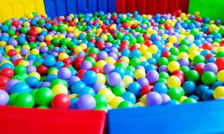 Parques de bolas, establecimientos de ocio para niños, discotecas y bares de copas abren con un 40% del aforo